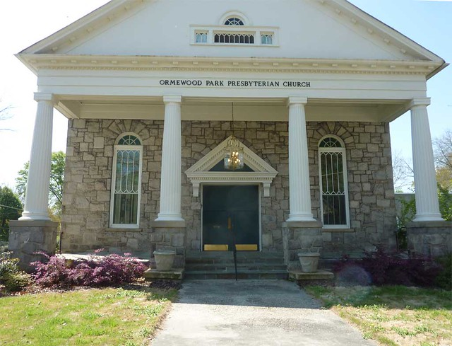 P1090451-2011-04-04-Ormewood-Park-Presbyterian-Church-Portico