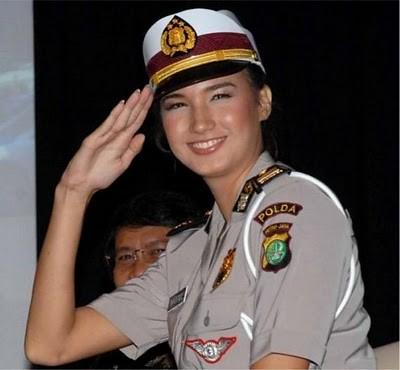 Military_Women_19