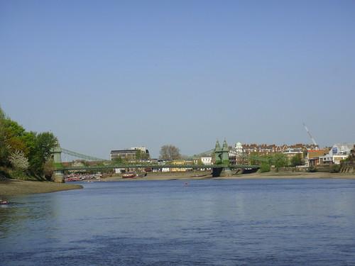 Aproximándonos al Puente de Hammersmith
