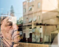 ( Mrcio ) Tags: pessoas portoalegre reflexions poa nibus passeio velhinha 2011