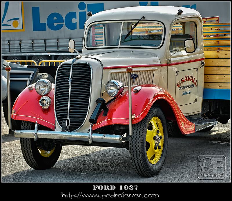 II Truck Show Festival de Torrelavega 2011 - FORD 1937
