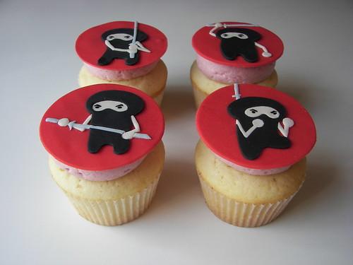 Cakes By Nancy: Ninja Cupcakes