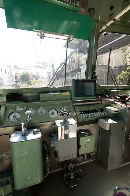 京王電鉄井の頭線3000系3028F クハ3778 運転台