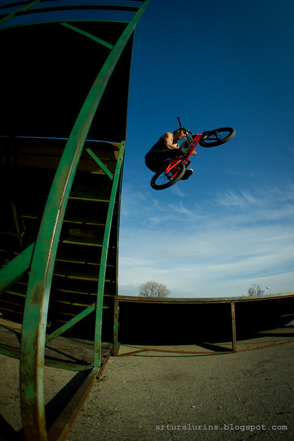 Edgars R. barspin to flat