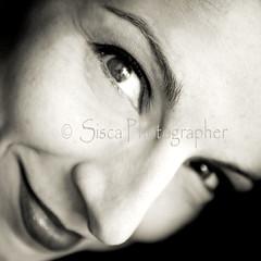 Forza (Siscafoto) Tags: life portrait blancoynegro self canon blackwhite eyes women retrato yo autoritratto autorretrato emotions detalles bianconero sisca emozioni bellissima 500x500 bwemotions particolarmente ritrattidiof espressionidellanima autorretratoydetalles