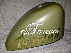 Gold Leaf & Lettering (Marius Mellebye / 276ccm) Tags: green harleydavidson lettering mack emerald sportster gastank goldleaf gilding bobber mariusmellebye 1shot showel forevertwisted 276ccm
