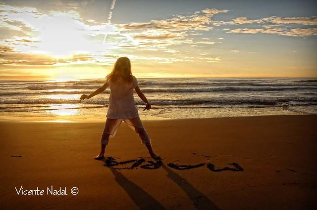 niña comunión playa amanecer 12 fotos nadal