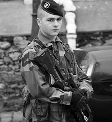 Soldier of Montmartre - (Day 14 Holiday 2011) (Matthew Kenwrick) Tags: man paris france french soldier army gun young machine security montmartre camo camouflage beret semiautomatic