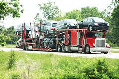 Red Peterbilt Car Hauler (myhotrod9) Tags: truck semi pete conventional trucking peterbilt 18wheeler tractortrailer bigrig class8 largecar carhauler