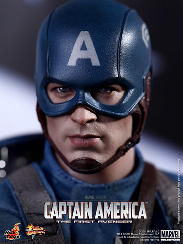 Hot Toys - Captain America_The First Avenger_Captain America_PR16