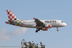 EI-FMT - 2003 build Airbus A319-112, on approach to Runway 24L at Palma (egcc) Tags: 2113 9haeg a319 a319112 airbus cgaeg eifmt hanvolo lepa lightroom majorca mallorca mamallegoenunrato pmi palma v7 voe volotea