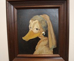 HILDESHEIM - DUCKOMENTA (Punxsutawneyphil) Tags: art girl museum germany deutschland duck arte kunst paintings ducks exhibition alemania vermeer museo enten ente mdchen ausstellung hildesheim gemlde duckomenta pearlearring janvermeer perlenohrring roemerundpelizaeusmuseum interduck