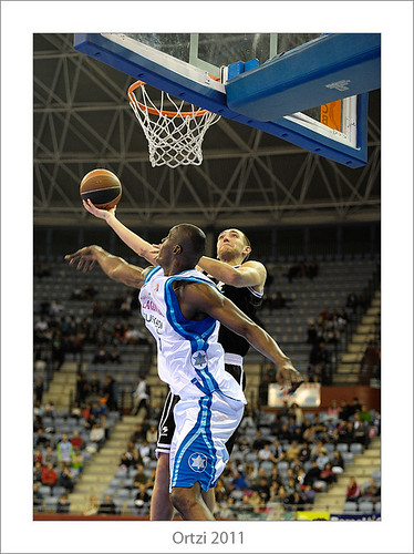 Euskal Kopa. Lagun Aro-Bilbao Basket by Ortzi Omeñaka