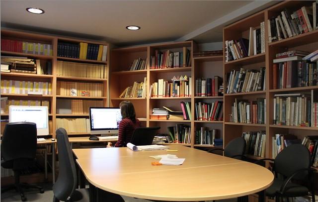 Bibliothèque du CEHTA - bureau du Lhivic