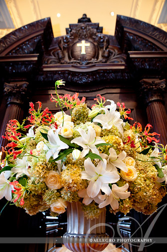 ica-wedding-boston-ma-waterfront-details- harvard memoridal church alter and flowers