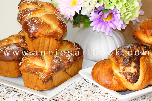 Easter breads 201106