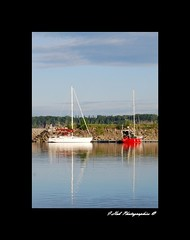Red and White (wassim213) Tags: red sky lake canada nature clouds rouge boat amrica lac du bleu ciel qubec nuages bateau reflexion nord voilier amrique portneuf noth mt rflction port9