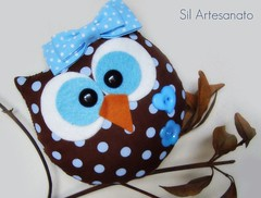 Prvia de mais uma zoiudinha... (Sil Artesanato) Tags: blue brown cute hand craft felt made owl coruja feltro fieltro