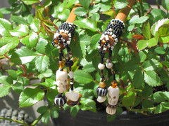 Beaded Skulls HairSticks (Dragons Moon) Tags: skulls natural shell bamboo bone horn beaded seedbeads hairsticks peyotestitch glassetsydragonsmooncreativehandmade