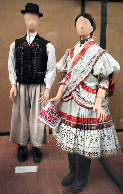 Couple from Martos, Komárom county, early 20th century