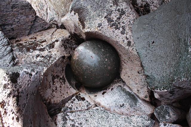 đá tròn tự nhiên