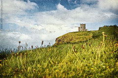 Ireland_1_1222 (Daniel Escal) Tags: ocean costa mountains green castle galway grass clouds canon eos coast rocks daniel cliffs fantasy 5d castillo mirador moher montaas montains castell escale fantasi montanyes of 5dmarkii escal danielescal