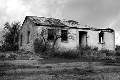 Ruined House | Williamstown (Daniel Tindale) Tags: road morning autumn sky white house black heritage history abandoned stone wall farmhouse rural entropy landscape grey countryside blackwhite vineyard vines rust iron whispering pentax decay farm daniel stonework south horizon country hill farming rustic australian ruin rusty australia farmland reservoir hills williamstown valley adelaide sa noon cockatoo hillside pastoral midday southaustralia derelict barossa decayed rd corrugated ruined whitewash galvanised gawler adelaidehills galvo tindale k20d danieltindale