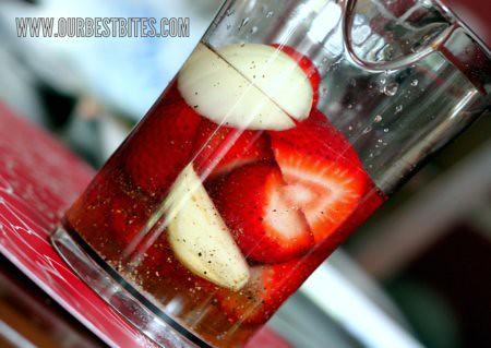 Berry Vinaigrette in blender