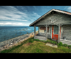 Fisherman's hut (T.P Photographie) Tags: sea fish canada st clouds river quebec riviere nuage maison pecheur laurent gaspesie bois cabane