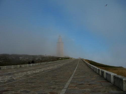 La Torre de Hércules en un día de niebla