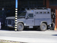 (1018) GMP - Greater Manchester Police - Land Rover - Armoured Assault Vehicle - BV10 SDZ (Call the Cops 999) Tags: manchester march sunday police rover assault led land vehicle greater discovery complex gmp workshops response armed armoured 2011 arv openshaw bv10sdz