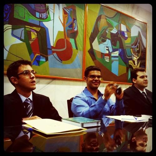 #blogueirosnoSenado @vaicomtudo @paulolima @gregorypavan conhecendo o aplicativo do Senado para iPhone