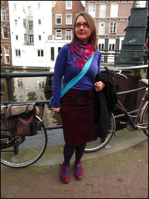 Amsterdam trip outfit in maroon and purple