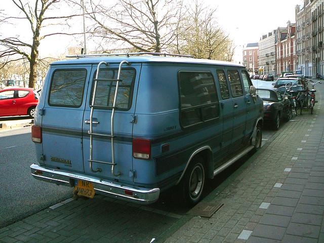 auto street car amsterdam vintage voiture spotted rue nassaukade straat chevroletsportvan