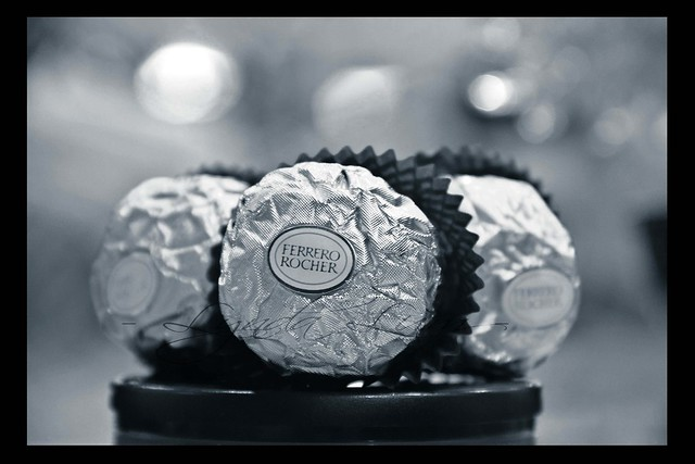 I LOVE U Ferrero Rocher.. ^.^