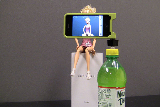iPhone Bottlecap Tripod