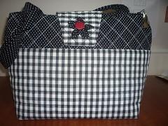 bolsa-xadrez (ArteTerapia) Tags: bag purse fuxico sue patchwork handbag bolsas riscos aplicacao apllique passoapasso bolsadetecido
