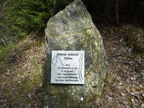 Monument at Col des Cyclotouristes