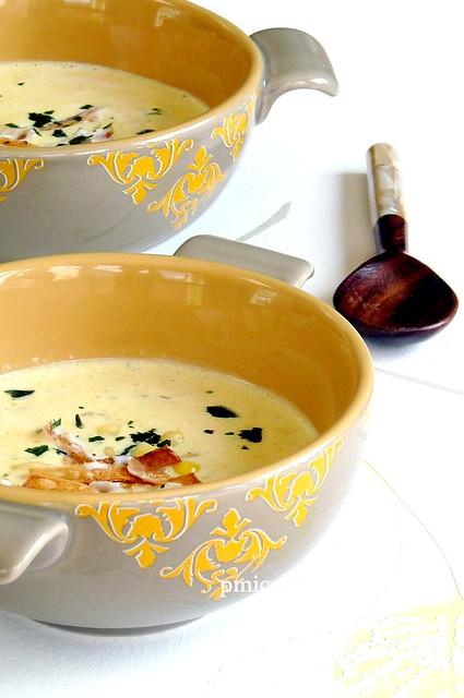 Zuppa di mais al cocco speziata