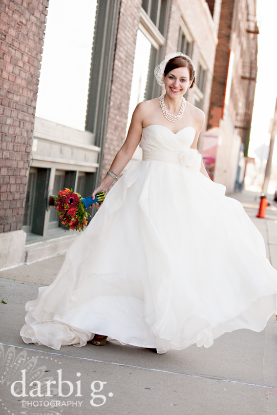 Darbi G Photography-Kansas city wedding photographer-hobbs building-DarbiGPhotography-041611-CaitJeff-w-2-194