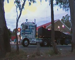 Filmed by secret squirrel (secret squirrel6) Tags: motion classic beautiful lights evening moving cabin stripes oldschool truckstop bumper worker secure trailer ropes grille videos loaded tarp toolbox truckdriver kenworth semitrailer cabover avenel ruralaustralia humehighway rosstransport secretsquirreltrucks