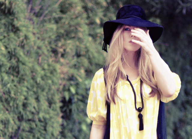 floppy  60s 70s hat +   tassel necklace