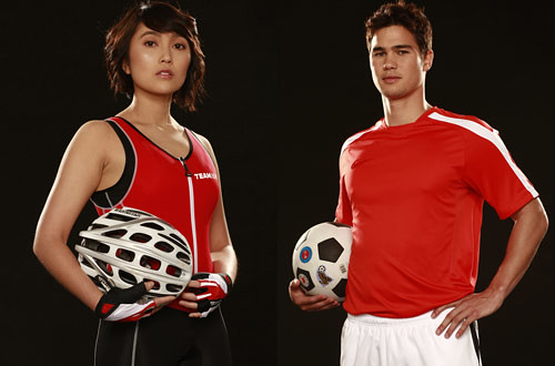 Kenny Rogers new brand ambassadors pro-tri-athlete Mica Tantuico and Phil Younghusband of the Azkals - CertifiedFoodies.com