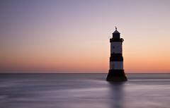 llyfn (i.m.j.) Tags: longexposure sea lighthouse seascape water wales sunrise dawn coast horizon cymru dwr blackpoint mr anglesey ynysmn penmon imj arfordir twominutes goleudy vle dr 10stop gorwel nd110 trwyndu canon7d canonef24105mm14l codiadhaul mygearandme mygearandmepremium mygearandmebronze mygearandmesilver mygearandmegold mygearandmeplatinum mygearandmediamond mygearandme2 ongllydan dangosiadhir daufunud