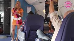 Bambi op de vlucht naar Rio (Bimbo Air) Tags: rio playboy vliegen stewardes bimboair