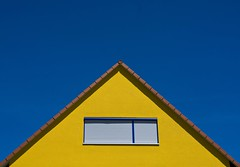Equilateral (justfordream) Tags: blue house color colour window yellow triangle fenster haus gelb shutter roller blau farbe pediment gable dreieck giebel rolladen gabled equilateral superaplus aplusphoto gleichseitig