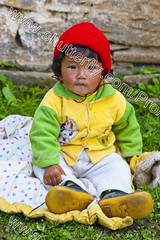 Bhutan (transcendentant) Tags: baby smiling religious colorful bhutan natural candid buddhist traditional kingdom shangrila monks friendly casual serene dzong relaxed tranquil himalayas mystic timeless easygoing budhist genuine unspoiled informal grossnationalhappiness bhutanesefort
