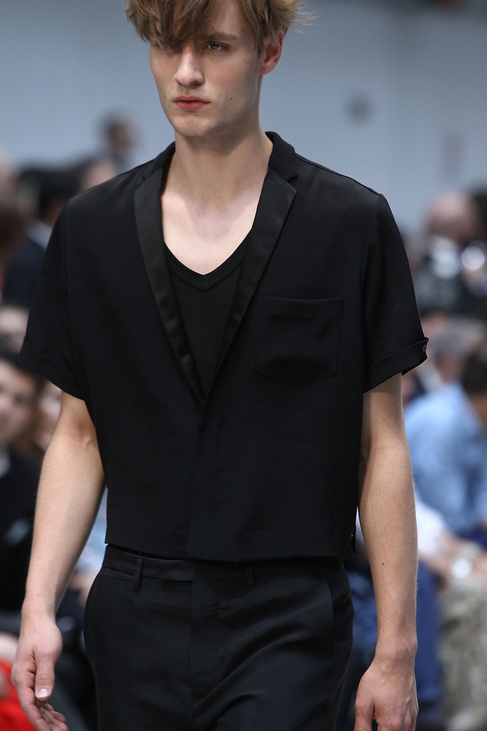 SS12 Milan Costume National Homme049_Oskar Tranum(VOGUEcom)