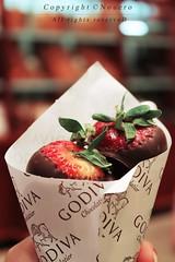 (NOURA - alshaya ) Tags: california summer usa 3 canon strawberry flickr d chocolate iso 500 non noura 2011 appl nouero
