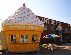 Pink Elephant antique mall (artgoodieshome) Tags: route66 icecream twisteetreat pinkelephantantiquemall